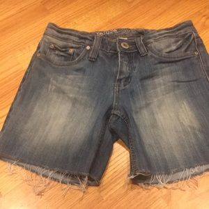 Women's refuge jean shorts size 5 good condition